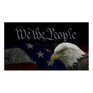 Eagle calvo americano en bandera tarjetas de negocios