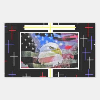 Eagle calvo americano, la bandera y la cruz rectangular altavoces