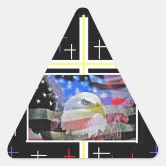 Eagle calvo americano la bandera y la cruz pegatinas trianguladas personalizadas