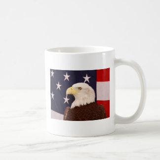 Eagle calvo americano taza clásica