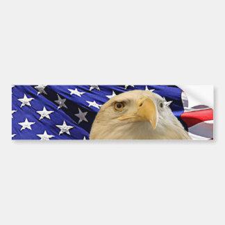 Eagle calvo americano y bandera pegatina de parachoque