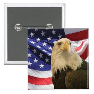 Eagle calvo americano y bandera pin cuadrado