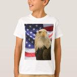 Eagle calvo americano y bandera playeras