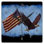 Eagle calvo americano y reloj patriótico del arte