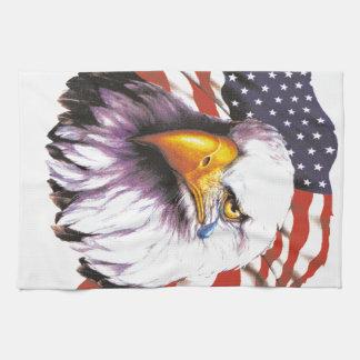 Eagle calvo con un rasgón - bandera de los toallas de mano