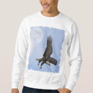 Eagle calvo descendente y el suéter de los hombres