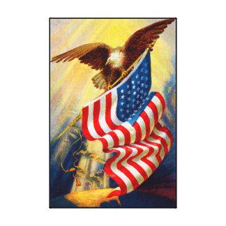 Eagle calvo el 4 de julio envolvió impresiones en lienzo estiradas