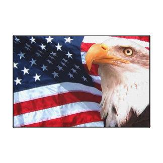 Eagle calvo el 4 de julio envolvió impresiones en lona estiradas