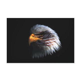 Eagle calvo el 4 de julio envolvió impresión en lienzo estirada