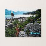 Eagle calvo encaramado en la costa de Alaska Puzzles Con Fotos
