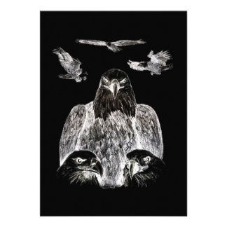 Eagle calvo que dibuja inversión del dibujo de lá comunicado