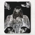 Eagle calvo que dibuja, inversión del dibujo de lá alfombrillas de ratón