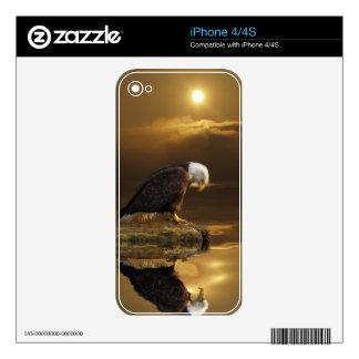 Eagle calvo que ruega en piel de oro del iPhone de iPhone 4 Skin