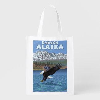 Eagle calvo que se zambulle - Dawson, Alaska Bolsa Para La Compra