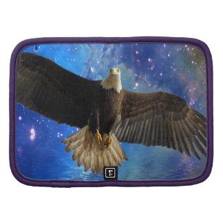 Eagle calvo que vuela y arte de la nebulosa del es planificadores