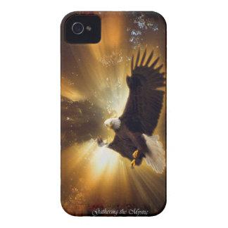 Eagle calvo que vuela y caja de Blackberry del Case-Mate iPhone 4 Fundas