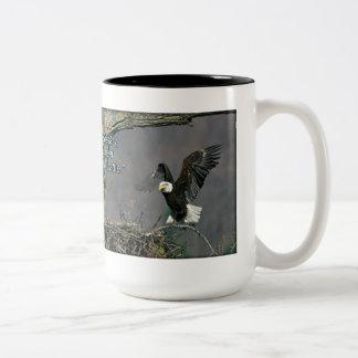 Eagle calvo - sea más buena que la taza necesaria