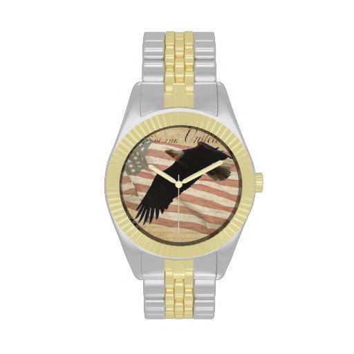 Eagle calvo y bandera americana de los E.E.U.U. pa Relojes