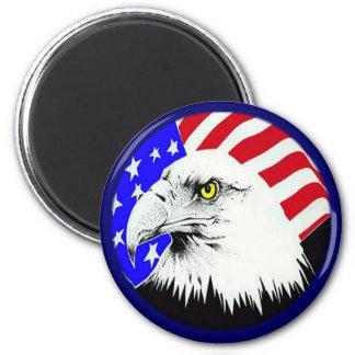 Eagle calvo y bandera americana iman de nevera