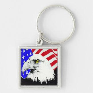 Eagle calvo y bandera americana llavero cuadrado plateado