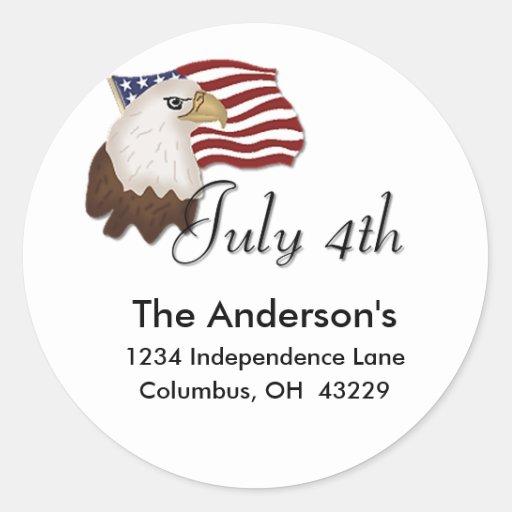 Eagle calvo y bandera etiqueta de dirección del 4