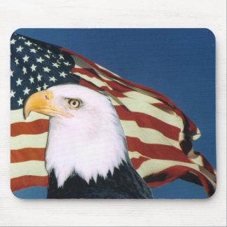 Eagle calvo y cojín de ratón de la bandera america tapete de raton