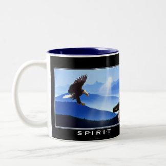 Eagle calvo y taza del regalo del tótem