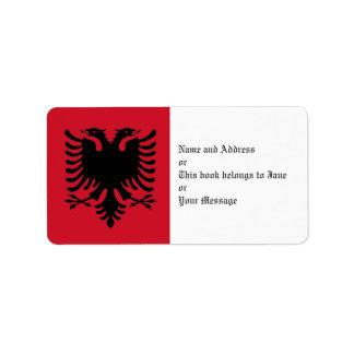 Eagle de la bandera de Albania en las etiquetas co Etiquetas De Dirección