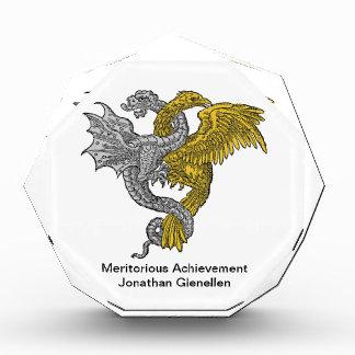 Eagle de oro y dragón de plata