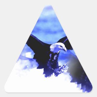 Eagle en vuelo pegatina triangular