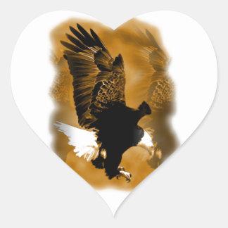 Eagle en vuelo pegatina en forma de corazón