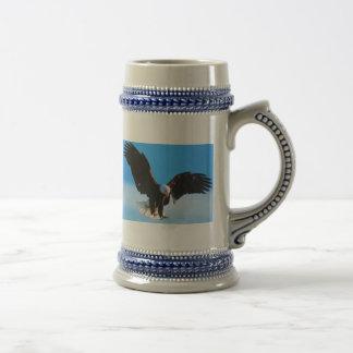 Eagle en vuelo taza de café
