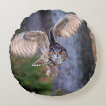 Eagle Owl Hunting Round Pillow