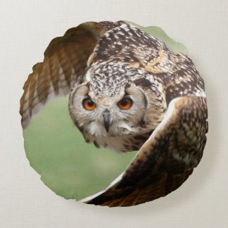 Eagle Owl In Flight Round Pillow