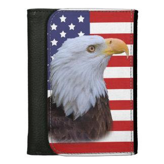 Eagle patriótico y bandera de los E.E.U.U.