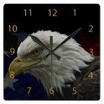Eagle patriótico y bandera reloj
