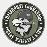 Eagle que fuma redondo etiqueta redonda