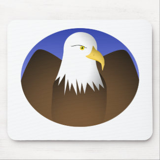 Eagle que separa los cielos azules de las alas alfombrillas de ratones