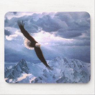 Eagle resiste a la tormenta mouse pad