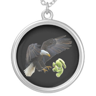Eagle scares to a teddy silver plated necklace