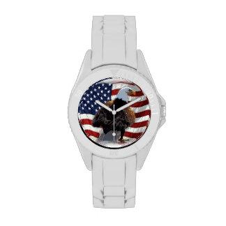 Eagle y bandera americana para el patriota relojes de mano