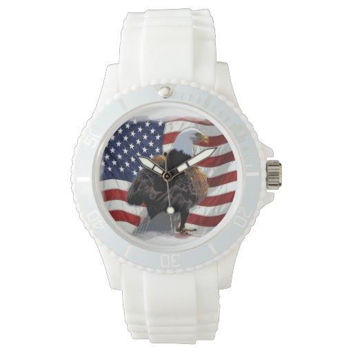 Eagle y bandera americana para el patriota reloj