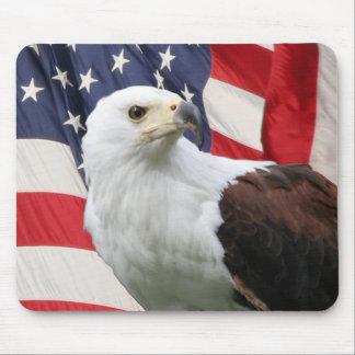 Eagle y bandera tapete de raton