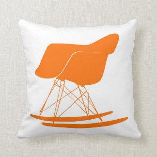 Eames moldeó la mecedora plástica almohadas