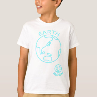 < Earth and month (color of the sea) > The earth T-Shirt
