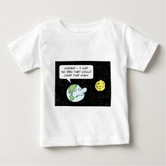 earth moon idea jump that high baby T-Shirt