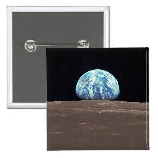 Earthrise de la luna pin cuadrada 5 cm