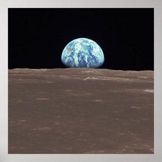 Earthrise de la luna póster