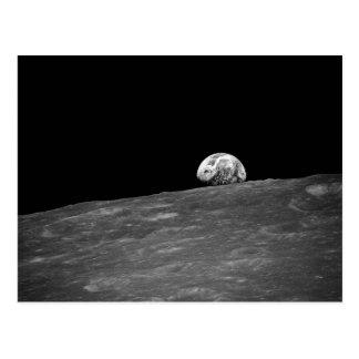 Earthrise de la misión de la luna de Apolo 8 Postal