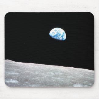 Earthrise - la perspectiva lunar alfombrillas de raton